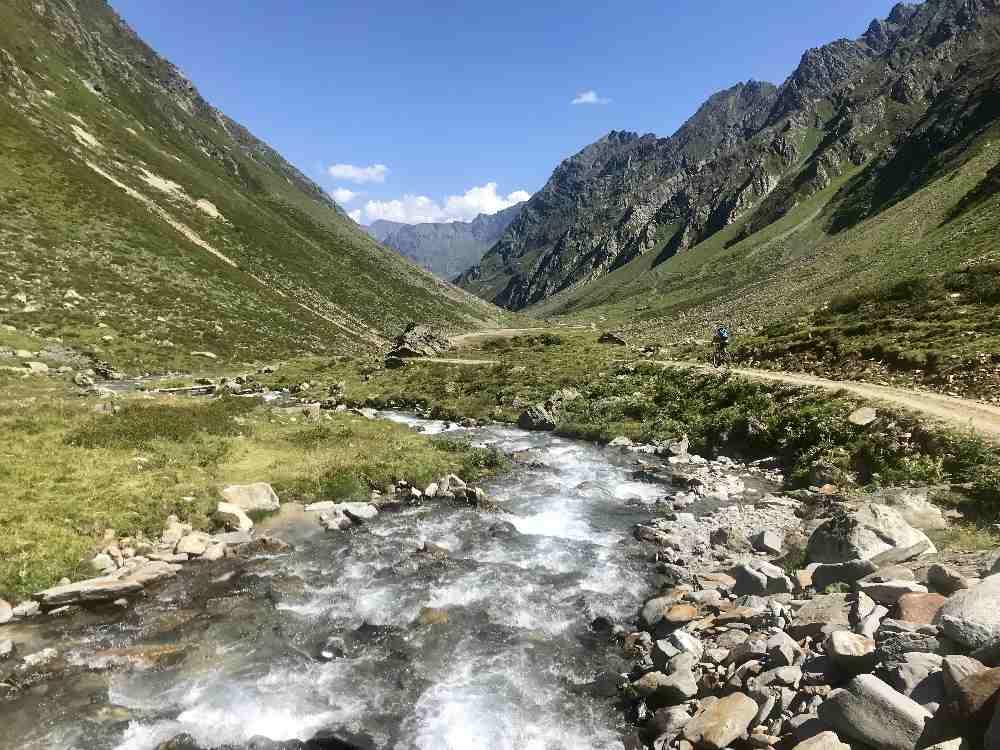 Mountainbiken am Gletscherwasser - so schön!