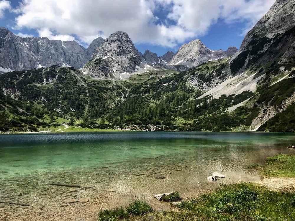 Mit dem Mountainbike zu den schönen Bergseen in den Alpen